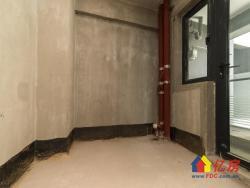 东湖风景区 华侨城南北通透毛坯两房  满两年 有钥匙