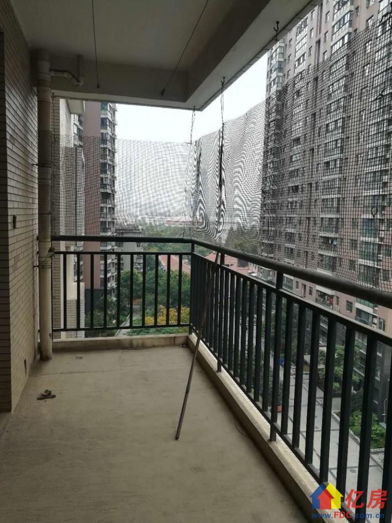 硚口区 宝丰 同馨花园二期 4室2厅2卫  185.25㎡,武汉硚口区宝丰解放大道586号(蓝天宾馆对面该项目1楼)二手房4室 - 亿房网