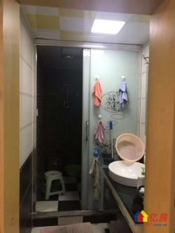 友谊路轻轨旁舞台天下两证已满2年卧室客厅阳台朝东中装电梯好房