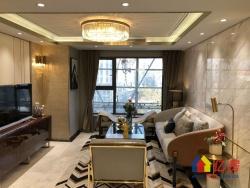 中南梅苑小区地铁口 复试楼 带天然气 大四房 不 5.2