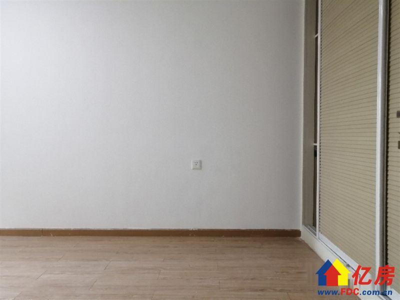菱湖上品+正规一室一厅+有钥匙随时看房直降10W,武汉江汉区菱角湖万达新华下路169号唐家墩车站旁(万达附近)二手房1室 - 亿房网