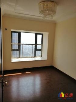 恒大御府精装三室两厅,豪华装修。