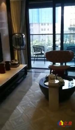 武昌街道口+卓刀泉南路+保利大都会+精装三房+一线湖景+独立