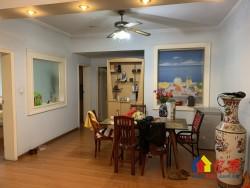 江岸区 台北香港路 湖光公寓 3室2厅1卫  103.9㎡  一线临湖  风景好