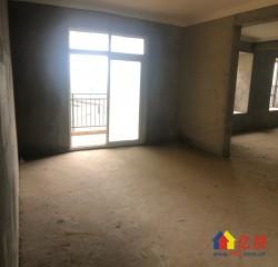 新洲区 阳逻 欣隆湖滨半岛 4室4厅2卫  140㎡,单价仅仅才6500,就可以轻松拥有轻轨房