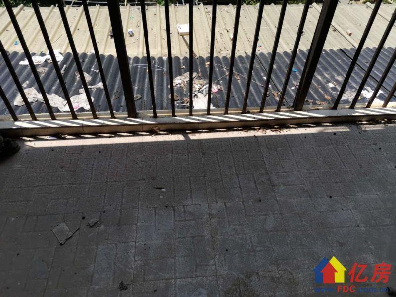 沿海丽水佳园通透大三房,简单装修,证满五年,武汉东西湖区金银湖东西湖马池路特1号二手房3室 - 亿房网