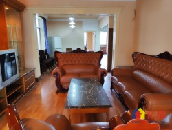 口口口长江日报路 蕾丹妮 实得面积130平 精装3房2厅老证