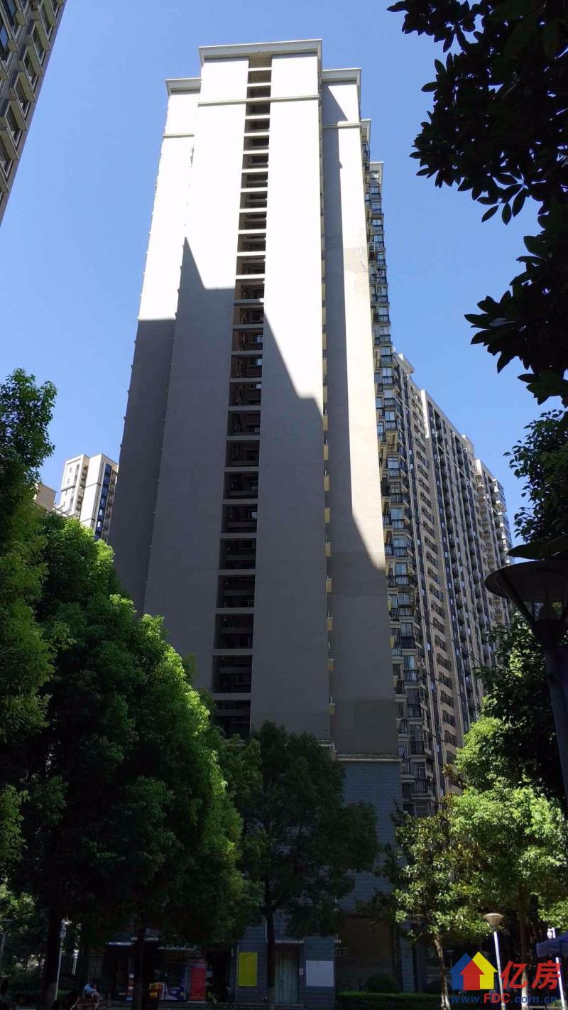 同济对面 同馨花园二期 精装两房 老证无税 拎包入住,武汉硚口区宝丰解放大道586号(蓝天宾馆对面该项目1楼)二手房2室 - 亿房网