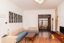 新闻出版局宿舍 精装大四房 产证满两年 后期费用少 采光极好 看房方便