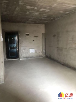 首付40万光谷悦城.2号地铁 精装两房朝南.户型方正