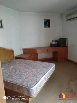 房东急需用钱,便宜出售多层  单价仅14200 随时看房