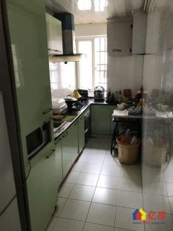 黄陂街XIAO学旁信泰公寓两证已满2年3房朝南带阳台电梯好房
