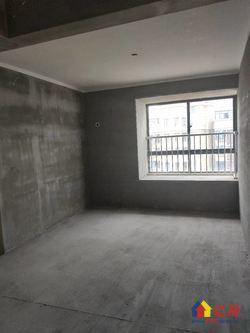 102万即买东方雨林毛坯三房,单价1.1万,中高楼层,有钥匙