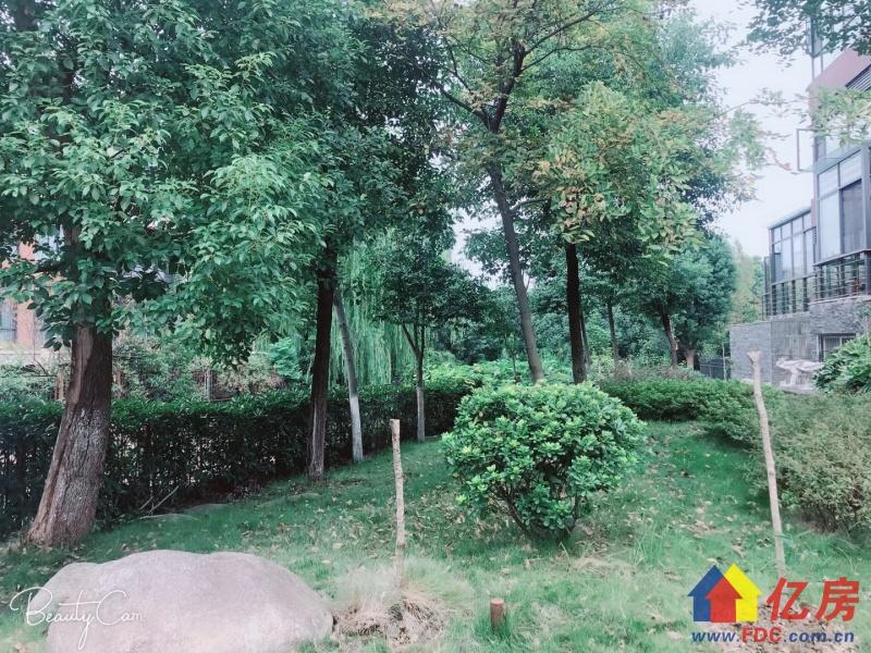 一个别墅让您金银湖成为你家的后花园 真正的一线临湖,武汉东西湖区金银湖金银湖畔环湖路8号(环湖三路站旁)二手房5室 - 亿房网