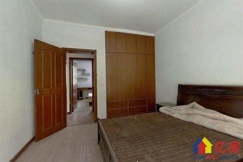 恋湖家园二期 楼梯中层 大两室  证满 有钥匙随时看,武汉东西湖区金银湖金山大道环湖路8号二手房2室 - 亿房网