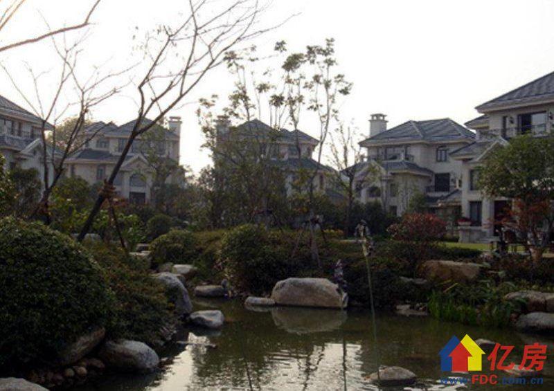 一线临湖,东向,送大花园,诚心出售。,武汉江夏区庙山江夏大道5号二手房5室 - 亿房网