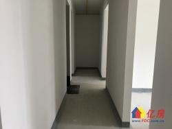 融创澜岸 三室两厅毛坯房双阳台 通透户型105平181万