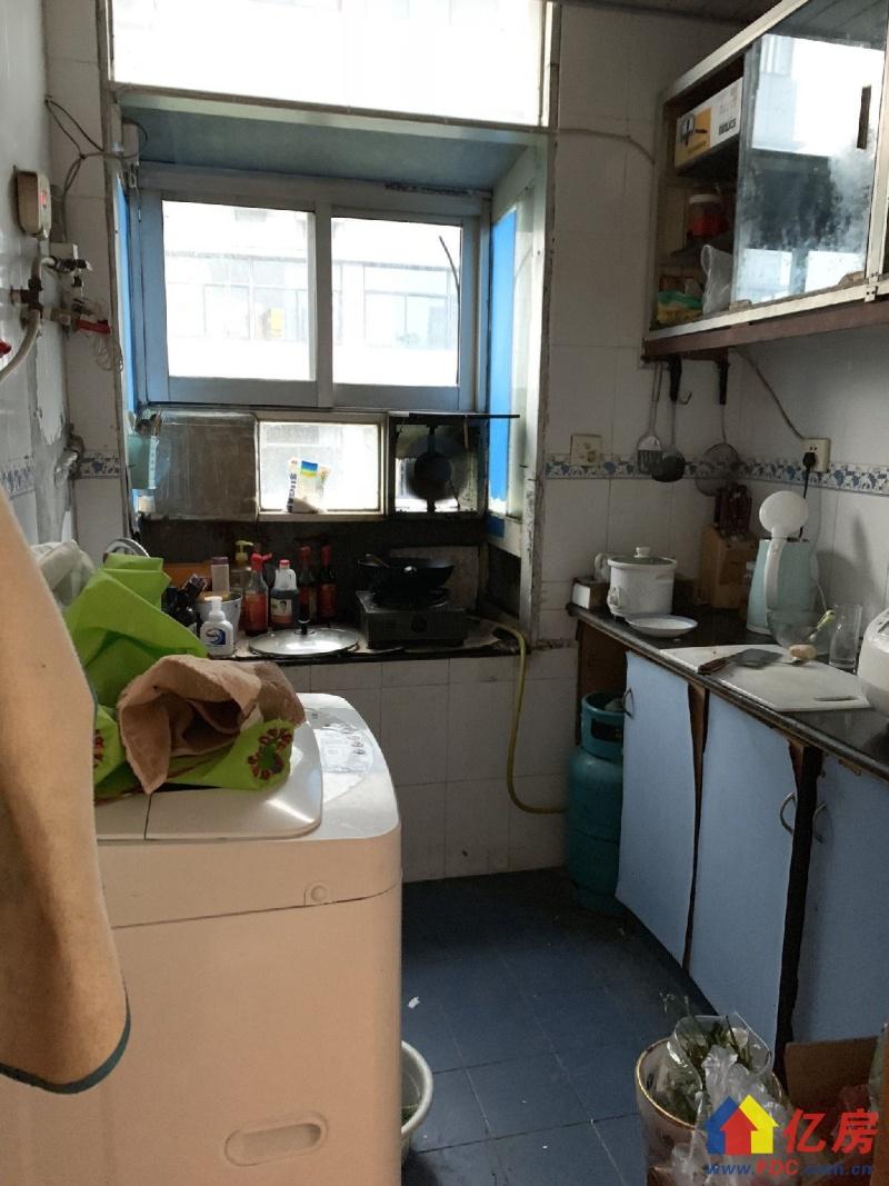 张家湾小区 对口一小学位房 正规一室一厅 总价低 南北通透,武汉武昌区白沙洲武昌区白沙洲张家湾菜场旁(玻璃钢厂对面)二手房1室 - 亿房网