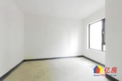 楼层不高,但视野开阔,房子设计合理,动静分离。