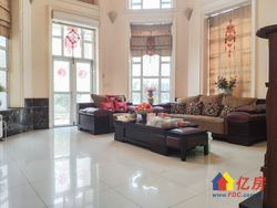该房为碧海花园别墅区为共计两层的独栋别墅