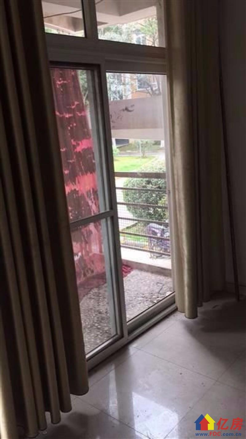 东西湖区 金银湖 美好愿景汀香水榭 3室2厅2卫  134㎡看房方便,武汉东西湖区金银湖东西湖区金银湖环湖路81号二手房3室 - 亿房网
