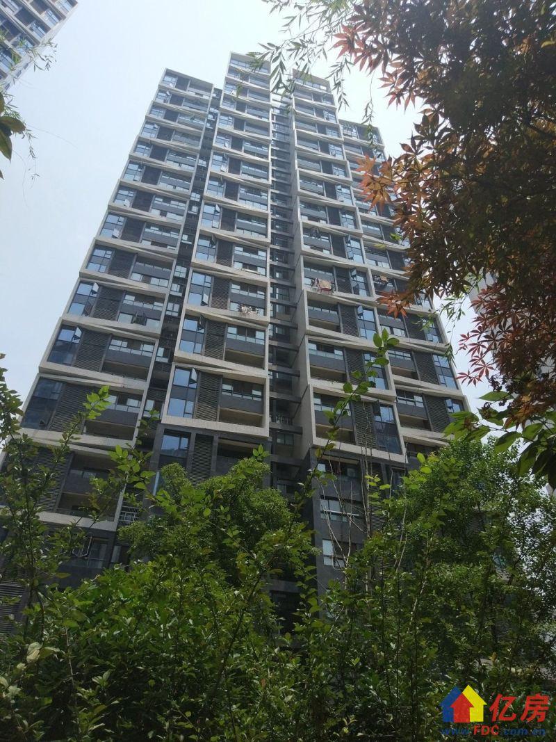 首付跟房价一样很低调。证满二年,精装修直接住,武汉东湖高新区民族大道东湖高新区民族大道水蓝路(锦绣龙城旁)二手房2室 - 亿房网