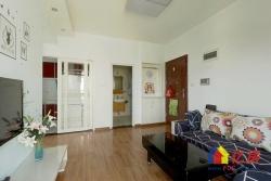 此房是此栋的边户,带品牌家具家电,业主诚心卖。