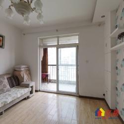 三里民居,居家装修两房,闲置,简装修,可随时看房。