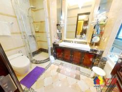 汉口城市广场一期 不限购 急售价245万 降价195万大四房
