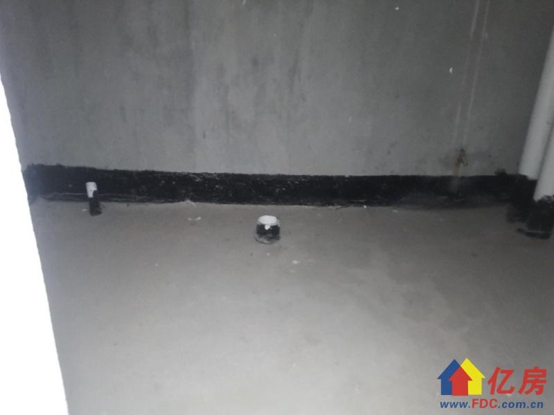金银湖奥林匹克花园别墅 业主有挖地下室扩建阁楼 老证看房方便,武汉东西湖区金银湖金山大道环湖路二手房4室 - 亿房网