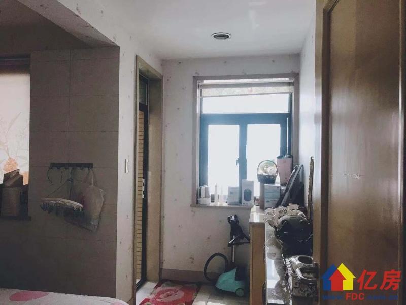 外滩棕榈泉9号楼 一线临江南北通透 三年难出一套 豪华装修!,武汉江岸区永清江岸区山海路1-3号二手房7室 - 亿房网