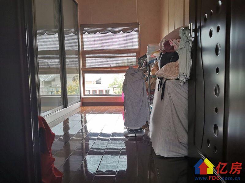 奥林精装联排别墅 拎包入住 前后开阔 前后带花园 诚心出售,武汉东西湖区金银湖环湖中路18号二手房5室 - 亿房网