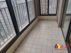 天久云门精装两房,交通方便,中高层,诚心出售,价格可以谈,随时看房。