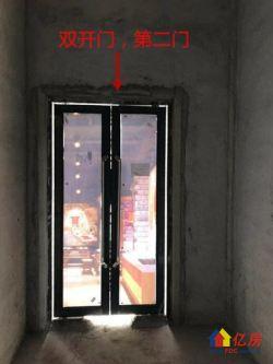 新阳广场,十字口拐角头铺,方正16平,5.4米高,月租255