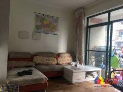 金珠港湾2期两室两厅两卫101平精装电梯房,132万。
