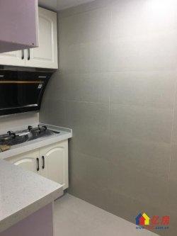 台北路青少年宫电梯房精装修三房只售245万,送家具