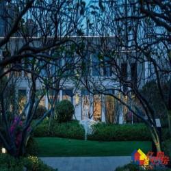 弘阳印月府,新二环墨水湖旁,均价18500带3000精装修,无,抓紧时间,所剩房源不多了.