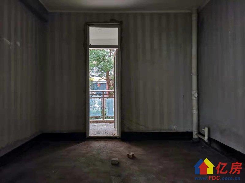 顺 驰泊林花园洋房大平层带大院子,有架空,证满两年,武汉东西湖区金银湖金银湖畔环湖路8号顺驰柏林二手房4室 - 亿房网