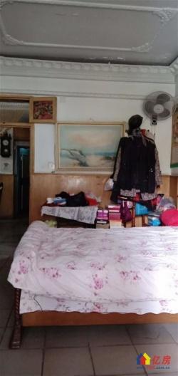 高雄路  高雄小区宝岛公园旁边  品型二室二厅 主卧阳台