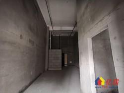 同济医院旁 汉口新界广场 毛坯2室2厅2卫  57.21㎡  180万 有钥匙