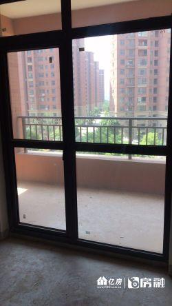 100W,双证满2,楼下美家联合借钥匙。