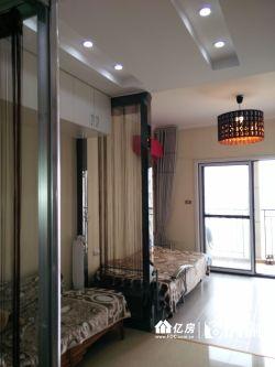 武汉SOHO中间黄金楼层精装修一居室,拎包入住。