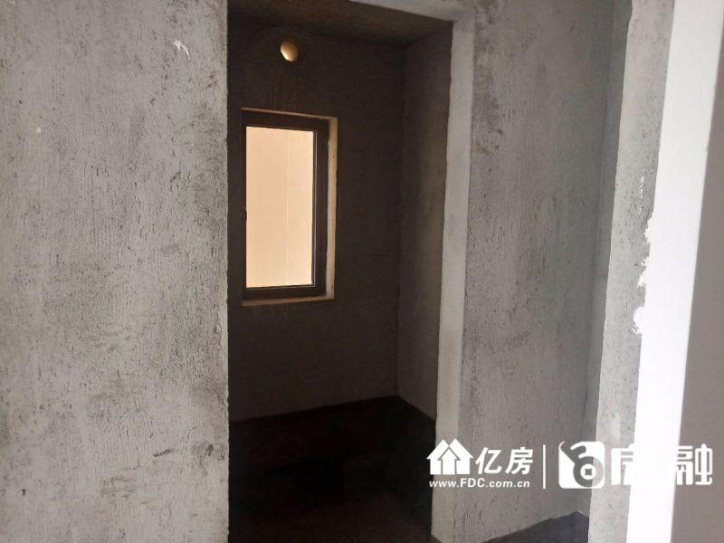 蓝光林肯公园毛坯三房出售,武汉硚口区古田武汉市硚口区古田二路和长宜路交汇口的西北角二手房3室 - 亿房网