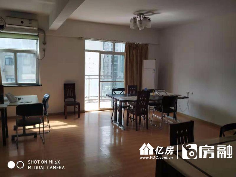 南北通透,武汉江岸区三阳路江岸区六合路25号二手房3室 - 亿房网