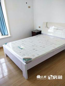 枫桦雅苑精装小公寓,仅售40万