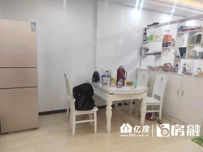精装两居室,超大客厅,武汉新洲区阳逻新洲区平江西路(武汉国际集装箱有限公司正对面)二手房2室 - 亿房网