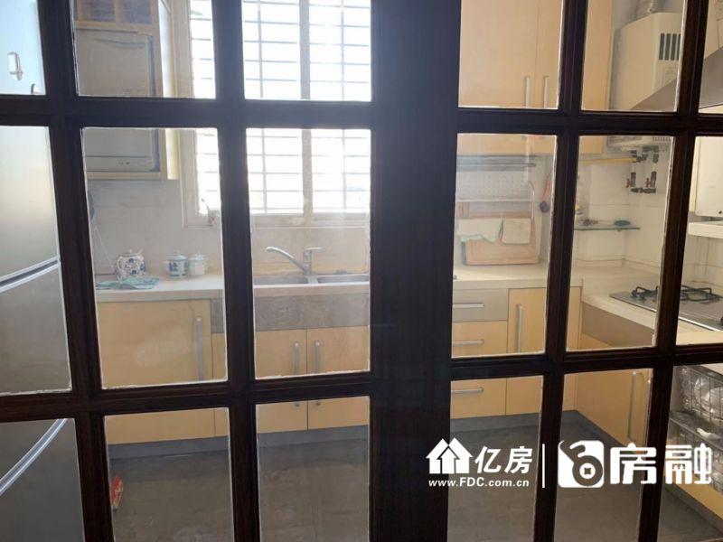 六合大厦,二中七一旁,武汉江岸区永清六合路六合新界对面(六合花园旁边)二手房3室 - 亿房网