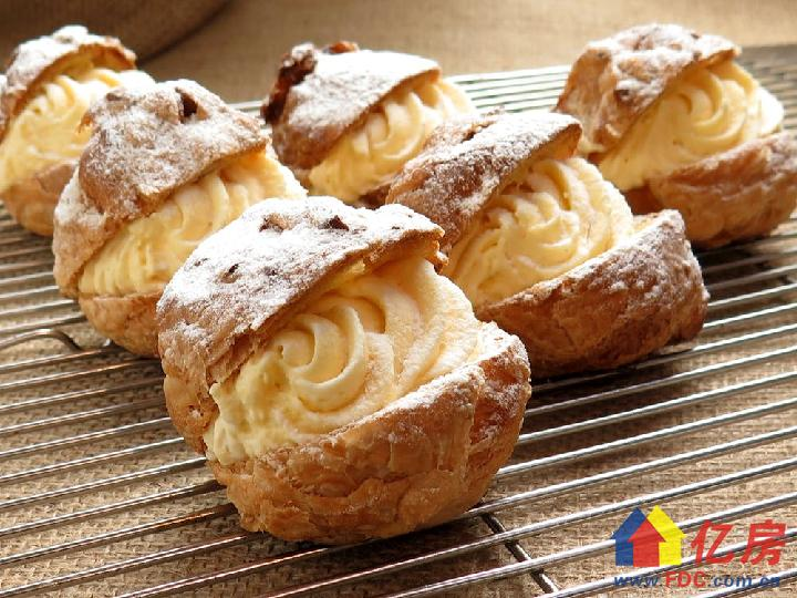 cream-puffs-delicious-france-confectionery-food-52539.jpeg
