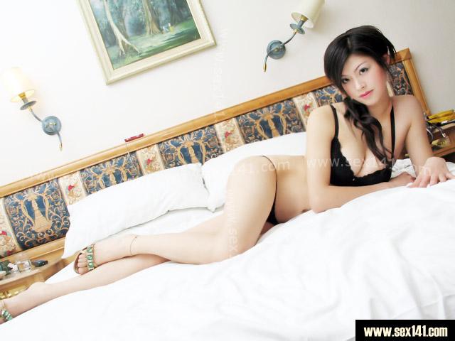 床上美女 绝对诱惑