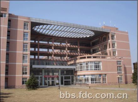 湖北工业大学工程技术学院离武汉科技大学中南分校多远